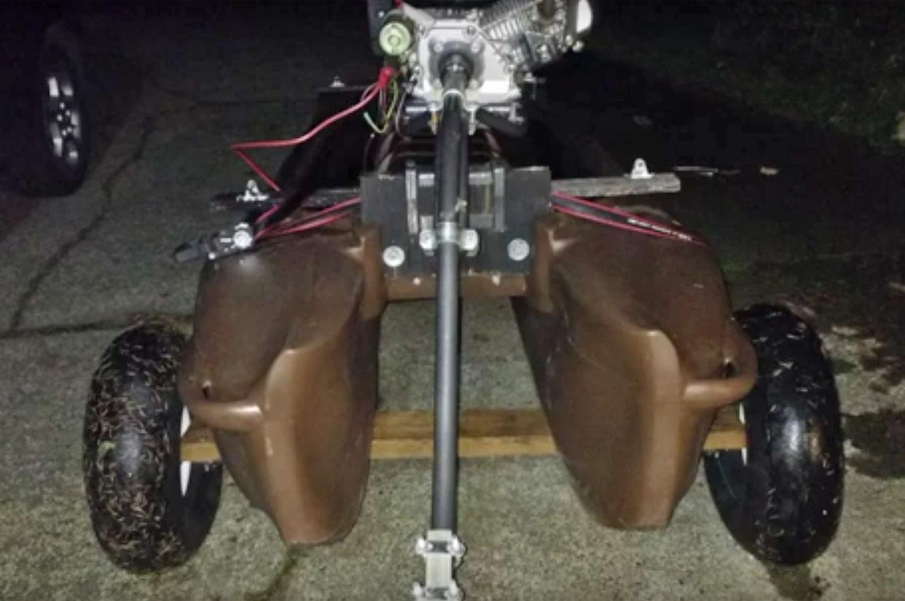 Twister mud motor mounted on Wavewalk S4, Washington