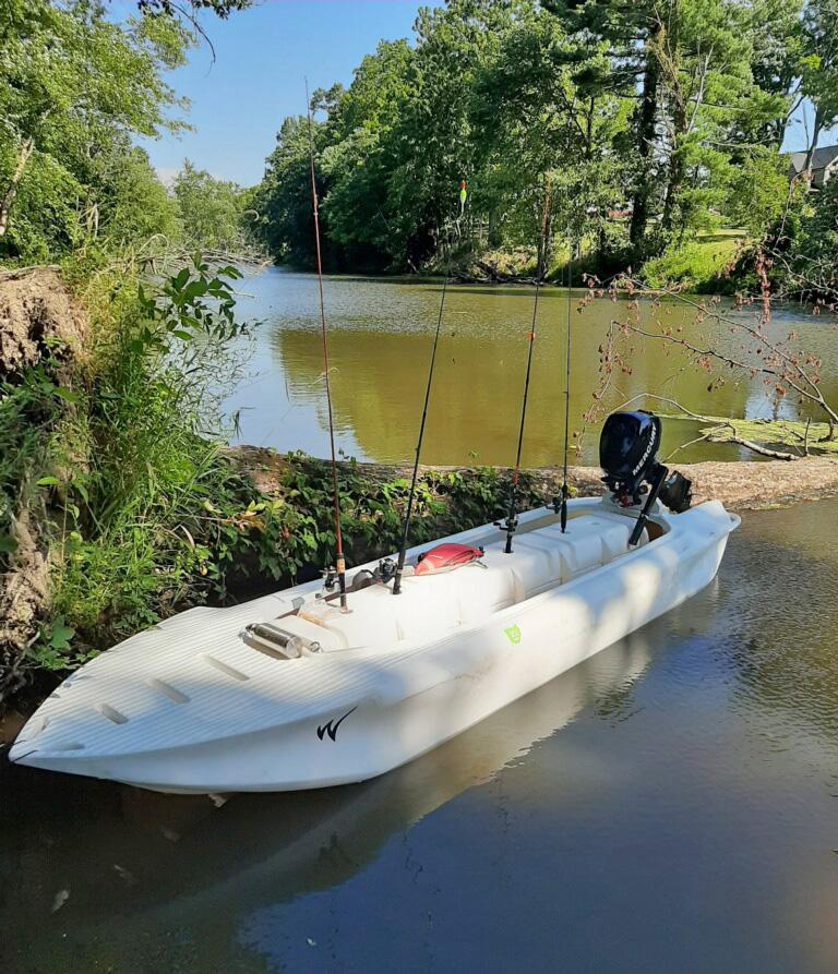 S4 microskiff with fishing poles- Ohio